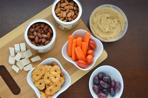 how to make a vegan snack plate with blue diamond almonds