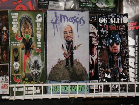 j mascis figure back to the fanboy well chiller theatre expo 25 balder