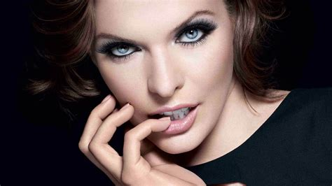 most gorgeous milla jovovich wallpapers wallpaper cave