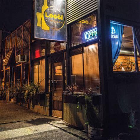 Top Bars Seattle by Seattle S Best Neighborhood Bars Bars Nightlife Seattle Met