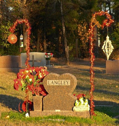 Grave Decorations by 1000 Images About Grave Side Decor On Grave