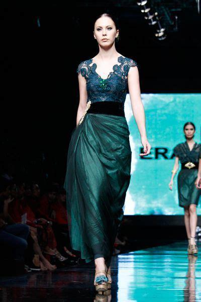 Biy Dress Kombi Batik 1000 images about trend kebaya modern on