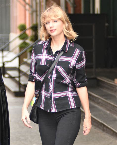 taylor swift albums success my friend taylor swift s new album 1989 by karlie kloss