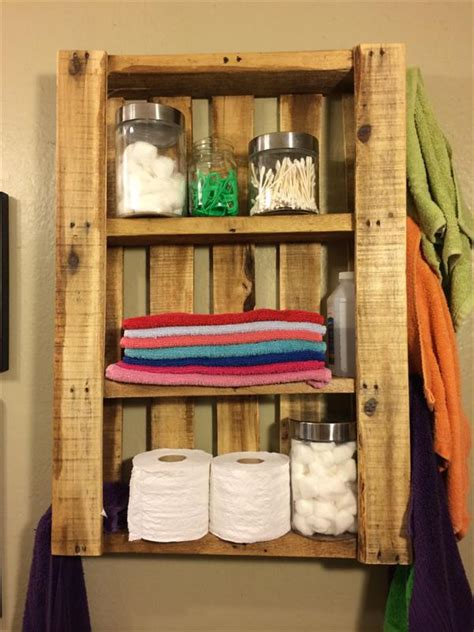 diy pallet bathroom wall hanging shelf 101 pallets