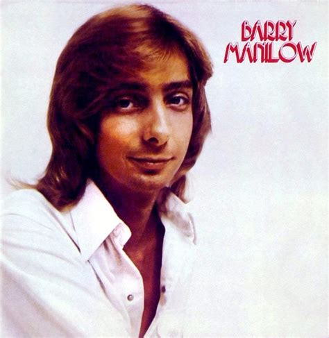 barry manilow she s a barry manilow says he likes being middle of the road king