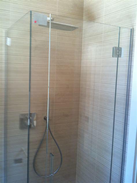 anta per doccia box doccia con anta decorata vetreria l arte nel vetro