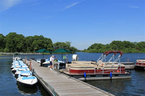 disney boat rental fun adventures with dad at disney world