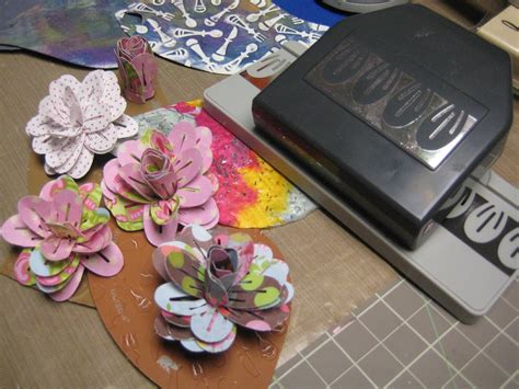 How To Make A 3d Flower With Paper - decorablesart how to make beautiful 3d paper flowers