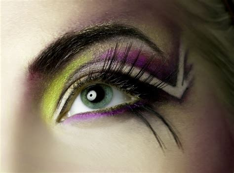 eye on design acute obsessions make up eyeshadow try these unique