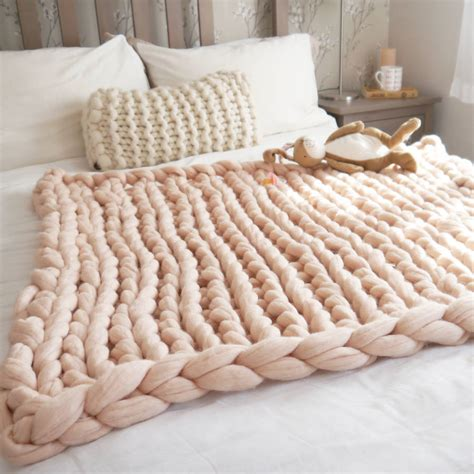 super chunky knit baby blanket by lauren aston notonthehighstreet com