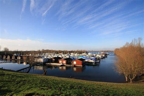 woonboot te koop giethoorn woonark de bijland gelderland vis vakanties nl