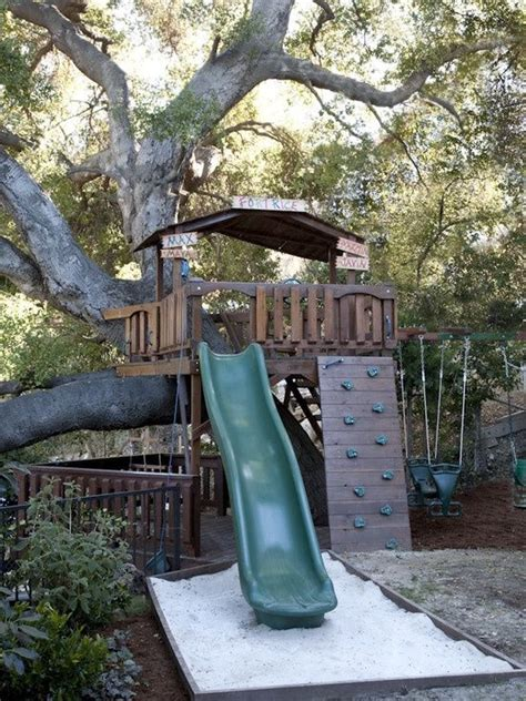want to make a treehouse the garden glove this would be cool build a tree house platform for your