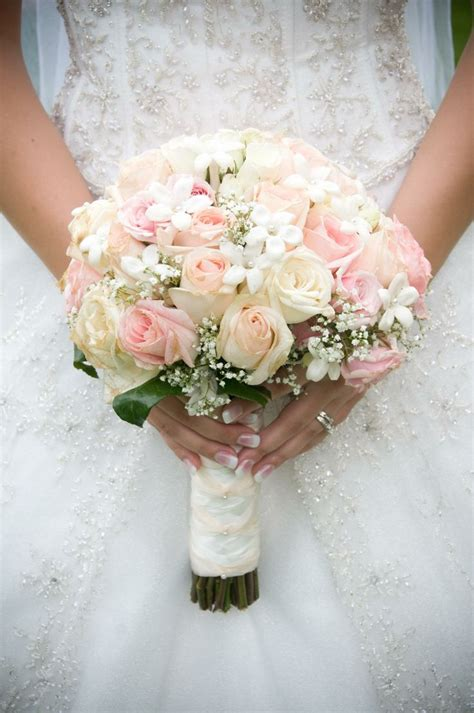 Bridal Bouquet And Bridesmaid Bouquet by White Roses Bouquet For Bridesmaids Bouquet Idea