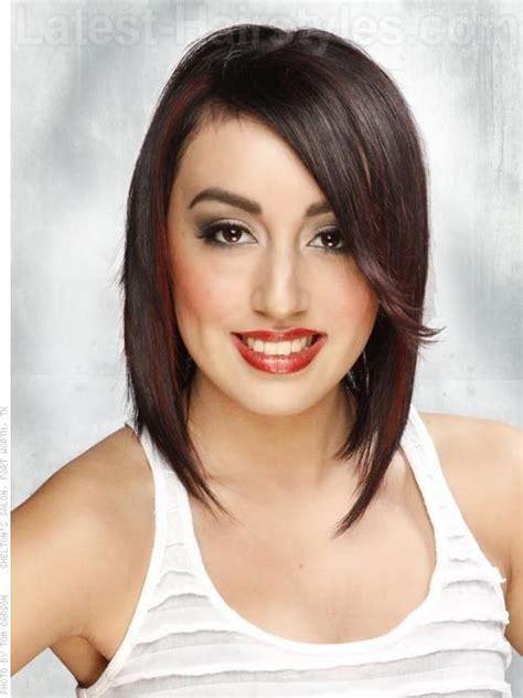 hair style angled toward face 30 best hair cut images on pinterest bob hair cuts bob