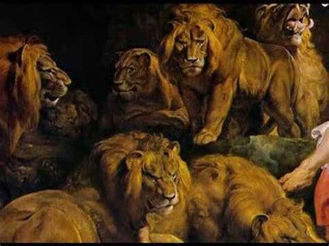 at play in the lions den a biography and memoir of daniel berrigan books daniel in the s den