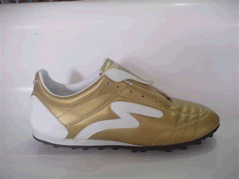 Sepatu Bola Specs Lama distributor sepatu sepatu bola specs accelelator emas