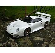 Porsche 993 GT1 White Ut Models Diecast Model Car 1/18