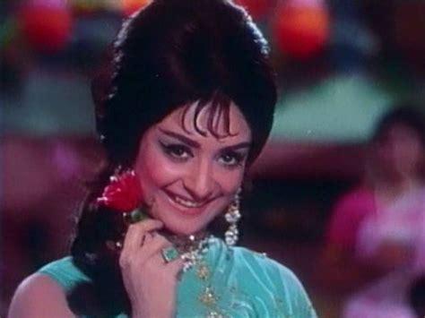 biography of movie padosan know about the actress saira banu and her fashion