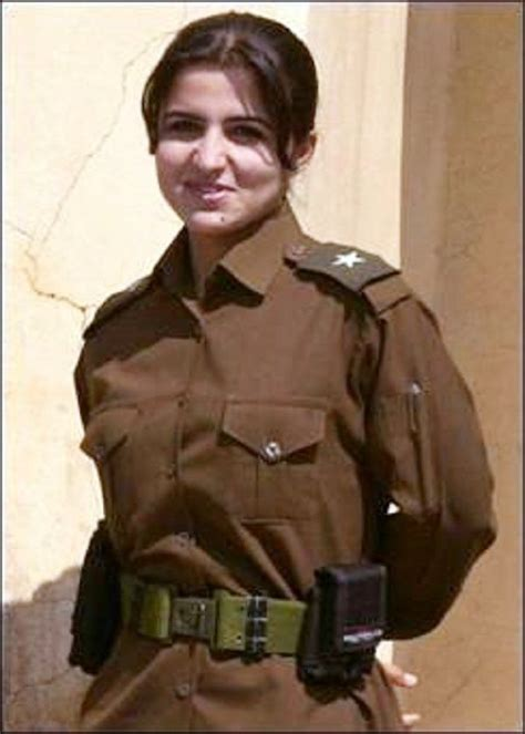 women law enforcement hair styles police woman iraq policiais e militares femininas