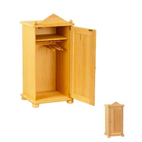 armadio per bambole armadio in legno per bambole con appendini ilsoleapicchio it
