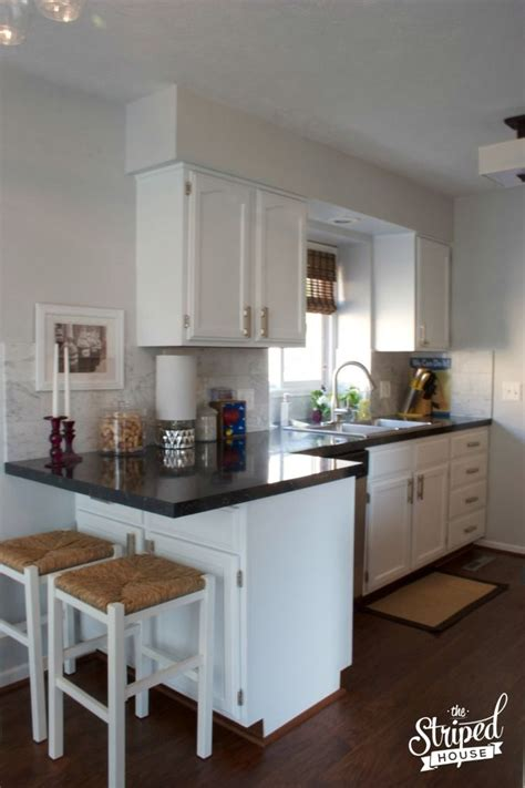 white kitchen ideas for small kitchens best 25 small kitchen makeovers ideas on
