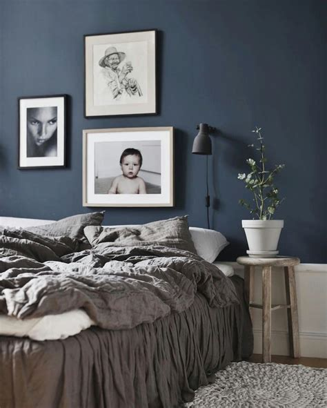 bedroom with blue walls 25 best ideas about dark blue bedrooms on pinterest