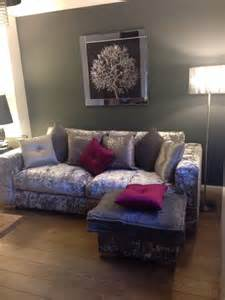 how to match a purple sofa to your living room d 233 cor crushed velvet sofa love it pink accent cushions with