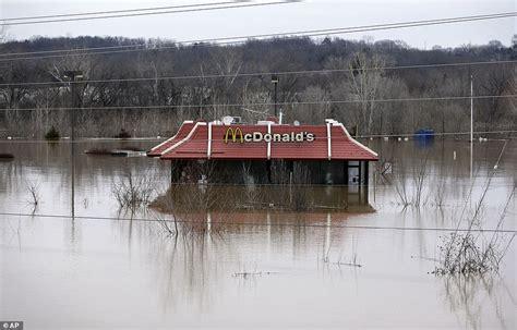 Louisiana Flood Maps mississippi flooding threatens 17 million people in