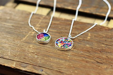 make your own photo jewelry how to make resin pendants