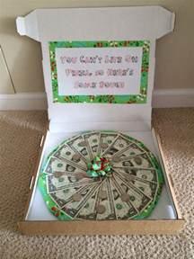exceptional Christmas Gifts For Camera Lovers #5: geldgeschenke-zu-weihnachten-pizza-verpackung-idee-witzig-schleife.jpg