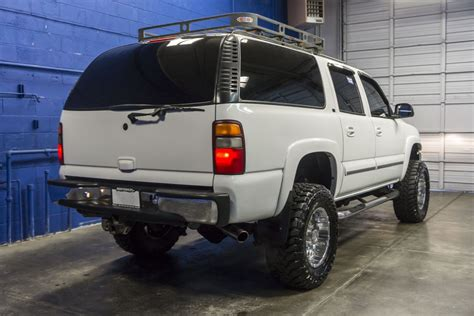 chevrolet suburban lifted used lifted 2001 chevrolet suburban 2500 lt 4x4 suv for