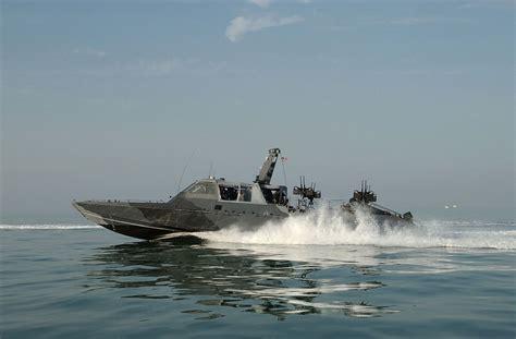 mk v boat naval special warfare combatant craft crewmen operate a