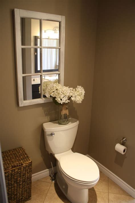 small country bathroom decorating ideas 25 best ideas about toilet room decor on pinterest half