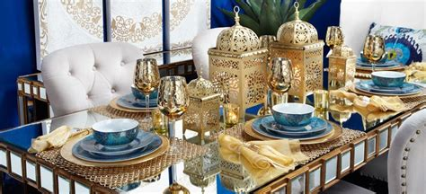 Dining Room Table Setting Dishes This Cool Combination White Gold And Blue And Definitely Digging The Moroccan