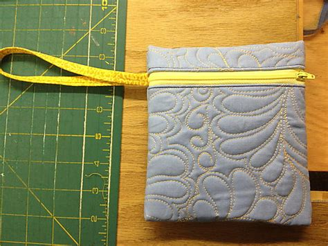 large zippered pouch pattern quilted large tote with zippered bag tutorial part 2