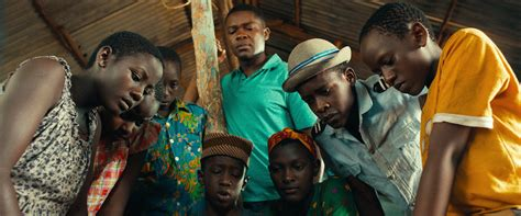 the queen of katwe film queen of katwe movie review film summary 2016 roger