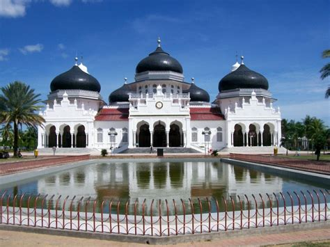Di Indonesia mosque in indonesia check out mosque in indonesia cntravel
