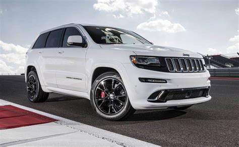 jeep sports car autoreviewers com 2014 jeep grand cherokee srt sports