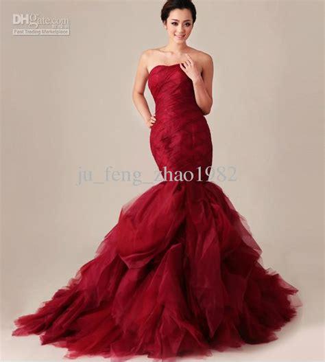 Beautiful photos of red mermaid bridesmaid dresses for slim bridal