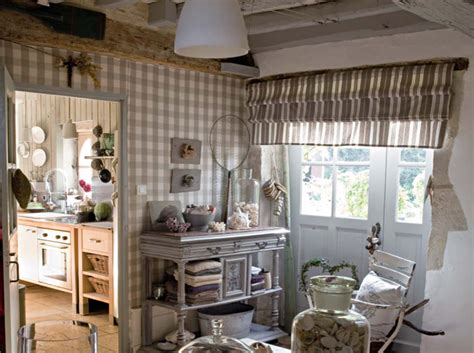a country house to about decoholic