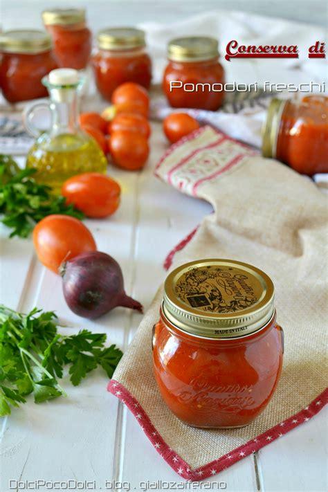 conserva fatta in casa conserva di pomodori freschi