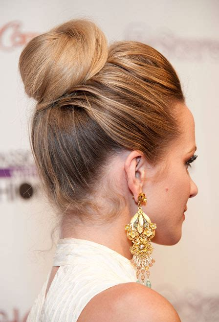 Hairstyles Like Buns | 2013 hot trendy hair styles it goes like this