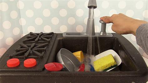 little tikes splish splash stove toys r us little tikes splish splash and stove kitchen toys