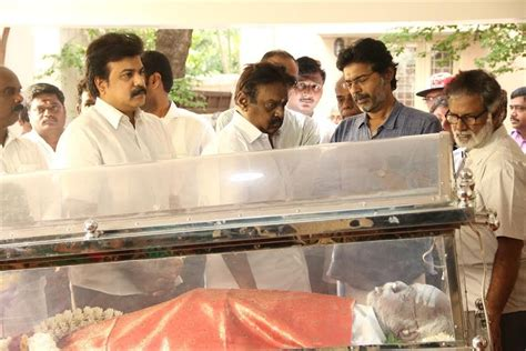 actor goundamani funeral vijayakanth latha rajnikanth ilaiyaraaja vishal at