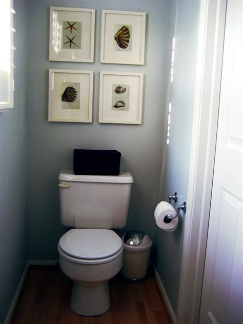 small half bathroom designs gooosen