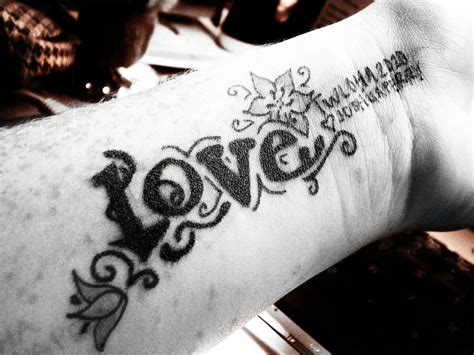 to write love on her arms tattoo to write on arms www pixshark