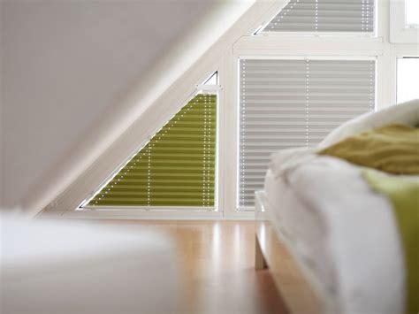 dreiecksfenster sichtschutz plissees f 252 r giebelfenster rollomeister de