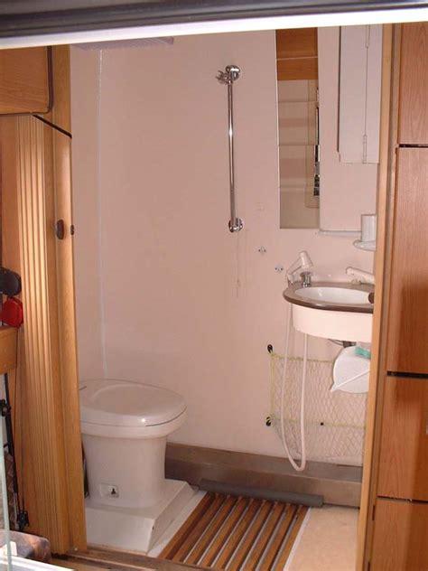 toilet and douche decoration douche et toilette maison design nazpo