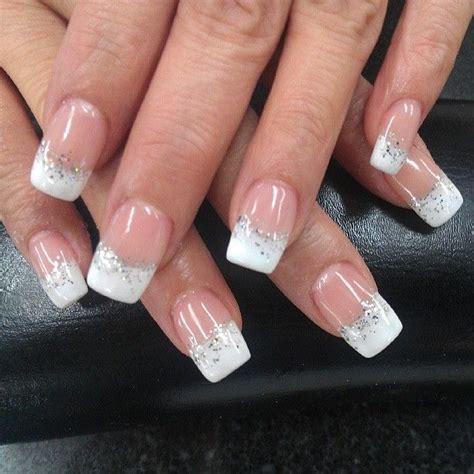 Cat Akrilik Glitter inspirasi nail cantik untuk hari pernikahanmu sekar