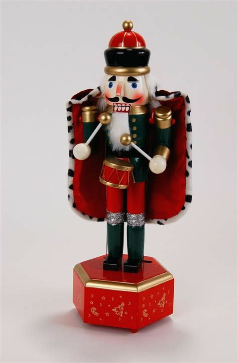 213 best nutcrackers images on pinterest nutcrackers